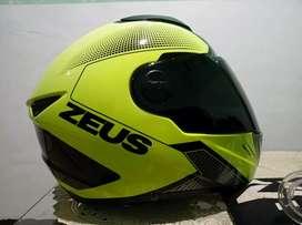 Helm Zeus 811 speedster