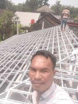 Menjual rangka atap baja ringan terpasang