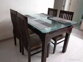 Dining table for 4 with glass top