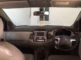 Di jual Toyoto Inova Diesel 2014 type V