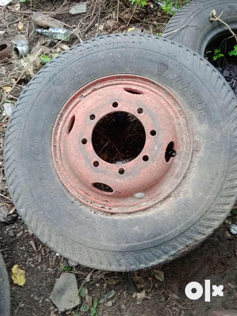 Truck tyres seal tyres