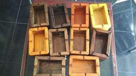 Asbak kayu berbahan kayu jati belanda