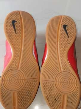Nike shoe Non marking shoe