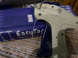 Label tagging Gun with tags
