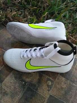 Dijual cepat sepatu futsal