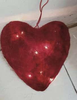 Lampu bentuk hati.