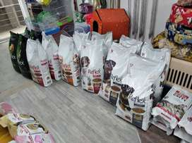 Reflex Adult and Puppy dog food available. 15kg