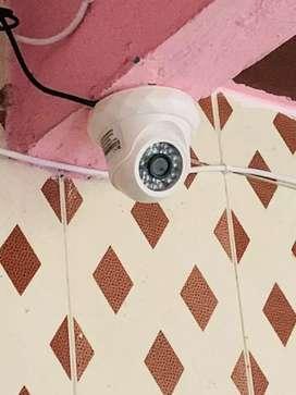 4 CCTV cameras + 1TB hard disk+video recorder