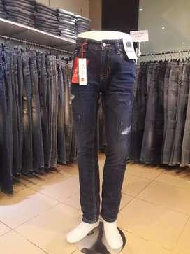 Goedang jeans branded
