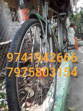 Good condition Hero cycle in sathegala handpost