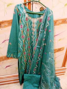 stiched lawn full embroidery suit & trouser with embroidery dupata