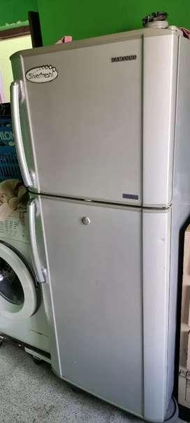 Samsung 270 ltrs double door refrigerator