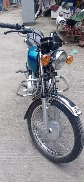 Yamaha RX100 Japanese model hai 19 88 old model hai modify Kiya
