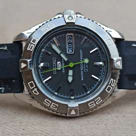 Seiko Sports SNZB34 Sports Automatic Watches