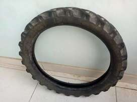 Cb shine tubeless tractor grip tyre
