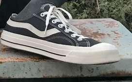 Sepatu Vantela 43