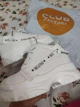 White shoe for women size 35