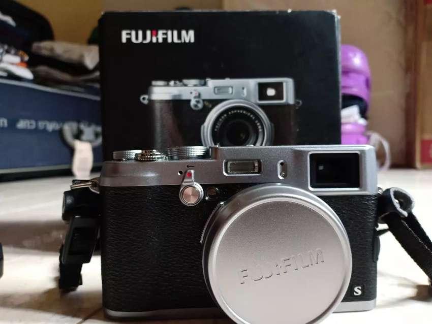 Mirrorless Fujifilm X100S Mulus like new 0