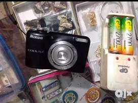 Nikon camera, Sel low ho gaya aur screen me halka sa kala dabbha h