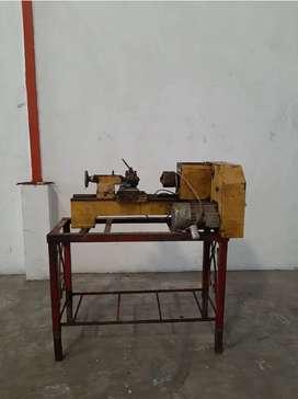 Jual pkt 1 mesin bor milling, 3 bubut bv, 1 hydrolis, rotari, 3 dinamo