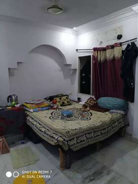Sharing room for females