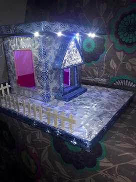 Home decor piece waterfall fountain and Cardboard  House for sale