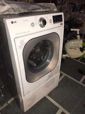LG Front load 13kg washing machine