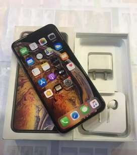 iPhone latest models 11month warranty with bill PLEASE CALL don't msg