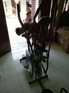 Sepeda statis orbitrek 6 fungsi