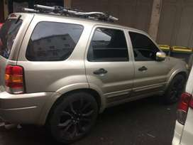 DIJUAL FORD ESCAPE  LIMITED EDITION 2007