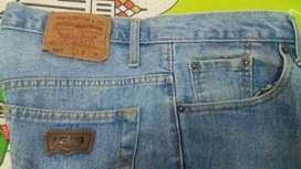 Celana jeans size 38 brand ternama harga promo