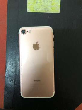 Selling apple iphone 7 32 in a great condition