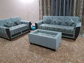 BRAND NEW 7 SEATER SOFA SET WITH CUSHIONS AND CENTER TABLE