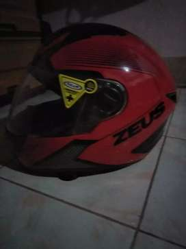Helm zeus 611 warna merah hitam