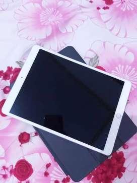 Dijual Apple Ipad Pro (10.5) 64GB Wifi Cell Plus Apple Pencil Second