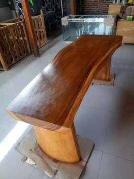 Meja kayu Trembesi Utuh