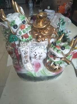 Patung naga dari china
