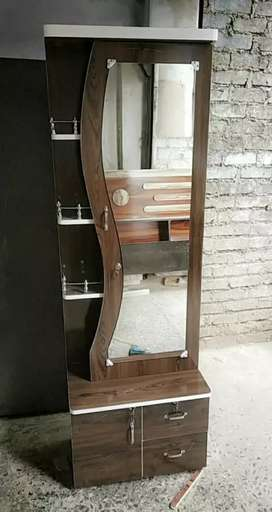 Dressing table 6'×2'