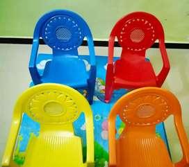 Used Kids Chair (Neelkamal)