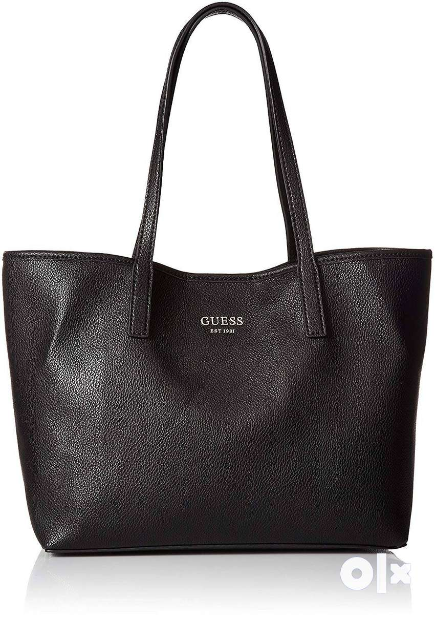GUESS Vikky Classic Tote 0
