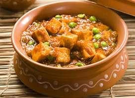 Urgent Roti and Paratha Banane wale ki Jarurat hai