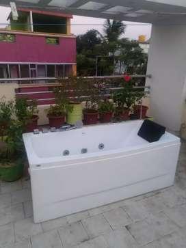 Jacuzzi bath tub - brand new