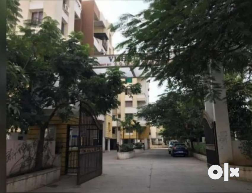 Well ventilated 2BHK Specious flat available to share with 2 ladies