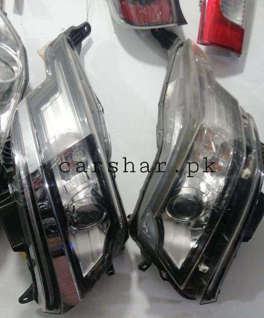 Move head light tail light and other body parts 0