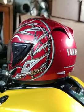 Helm ori yamaha r15 mulus