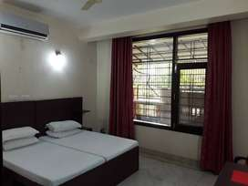 FURNISHED 1 BHK FOR MALE BACHELORS/COUPLES ONLY IN SEC 40 NEAR METRO