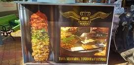 Sandwich pizzas burger banane wala professional chef chahiye