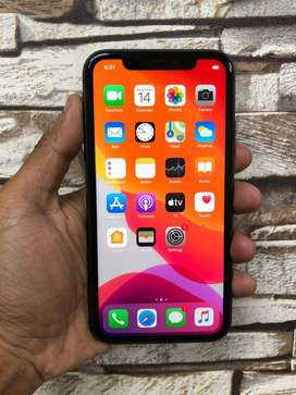 I PHONE XR 128 GB (BILL BOX UNDER WARRENTY )  ALL COLOURS AVAILABLE HE