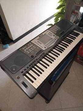 Keyboard yamaha PSR 1000 + Ampli RoadGear