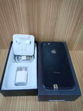 Ready iPhone 7/32GB Fullset Mulus Like New